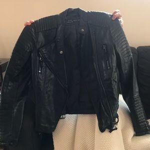 Jackets & Blazers - Like brand new black leather jacket!